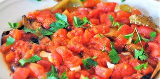 domates soslu patlıcan yemeği tarifi